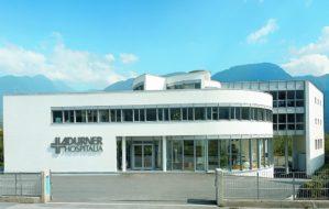 Firmensitz Ladurner Hospitalia + Reha-Zentrum, Handwerkerzone Untermais